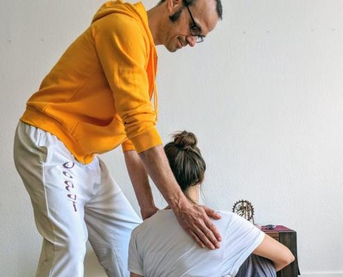 Yoga Hilfestellung